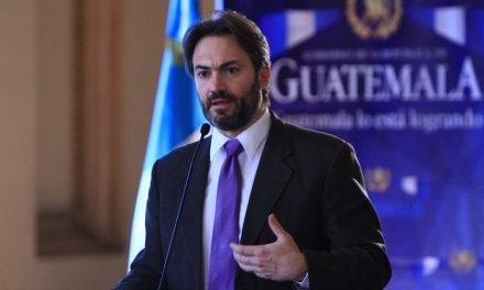 Viceministro Acisclo Valladares está bajo la lupa de la Fiscalía