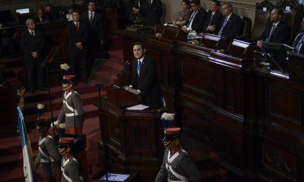 Ejecutivo y Legislativo advierten que no atenderán presiones sociales ni mediáticas