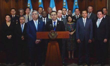 A ojo de diputado, 5 ministros deben dejar el gabinete