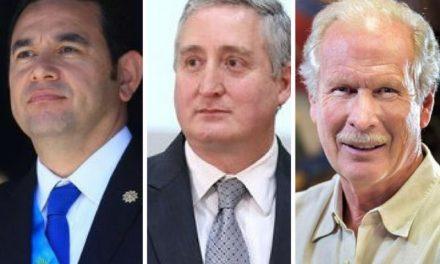 El Ministro Degenhart y sus dos jefes: el Presidente y el Alcalde