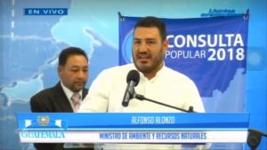 Ministro participó en gira de Consulta Popular