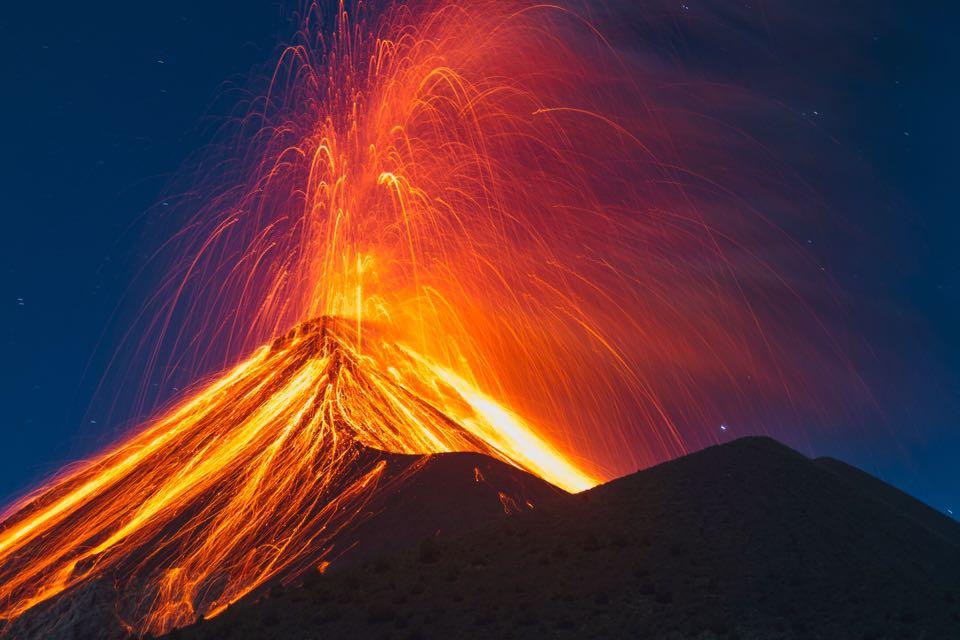 """10 preguntas básicas y sus respuestas si piensas escalar volcanes este fin de año<span class=""""wtr-time-wrap after-title"""">Lectura de <span class=""""wtr-time-number"""">5</span> min.</span>"""