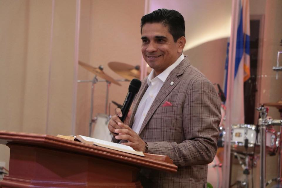 El pastor que sirve desde el púlpito al Presidente Jimmy Morales