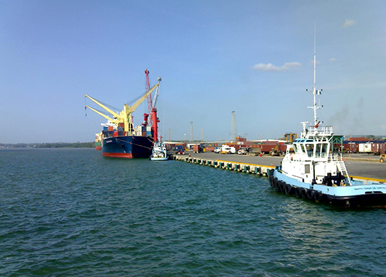 El abandono de Puerto Santo Tomas hunde las expectativas: se va Maersk.