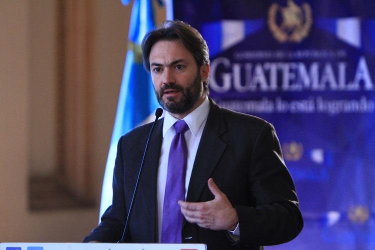 """Viceministro Acisclo Valladares está bajo la lupa de la Fiscalía<span class=""""wtr-time-wrap after-title"""">Lectura de <span class=""""wtr-time-number"""">4</span> min.</span>"""
