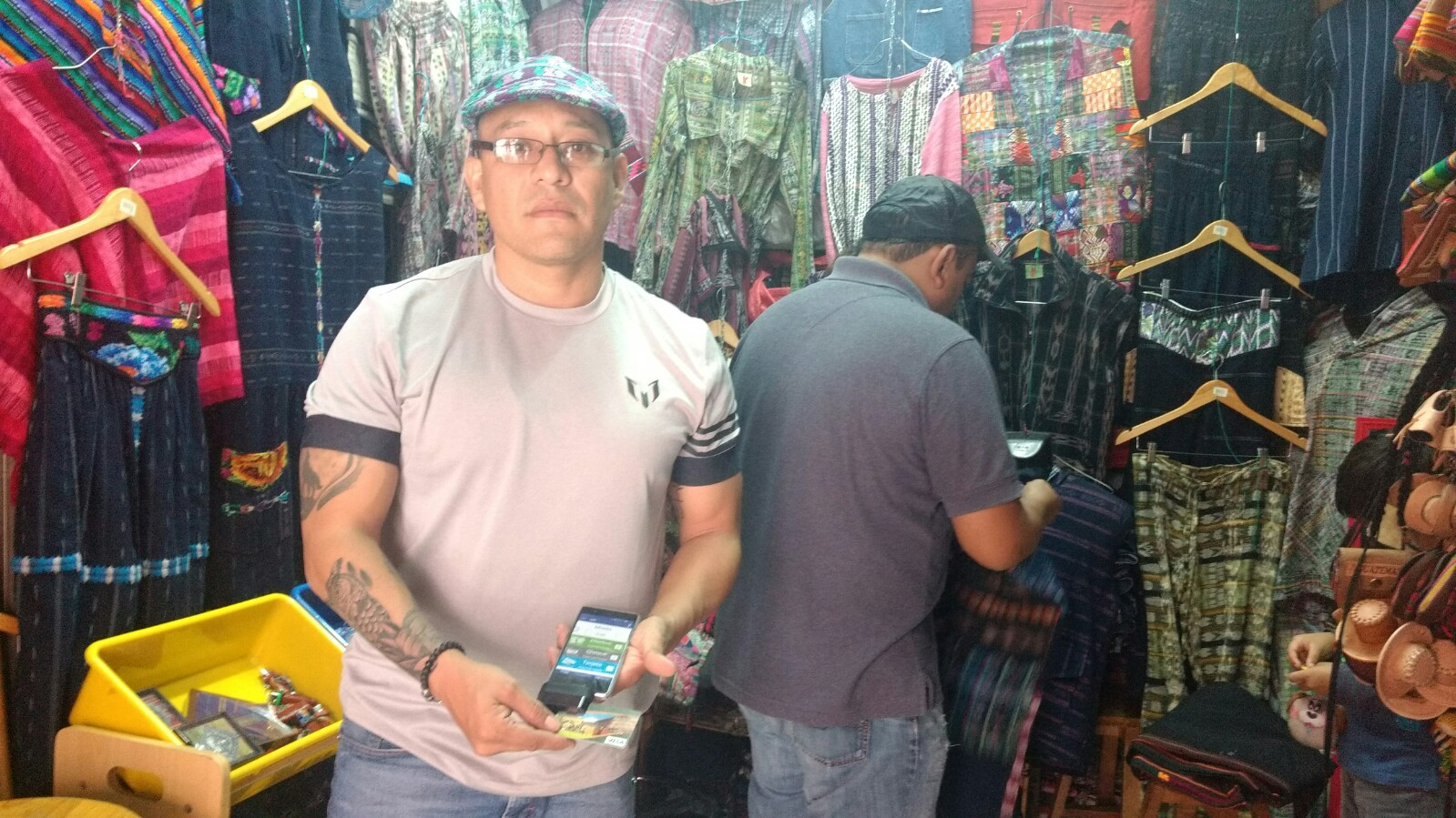 "Ventas de mercado: ""aceptamos Visa o Mastercard…"""