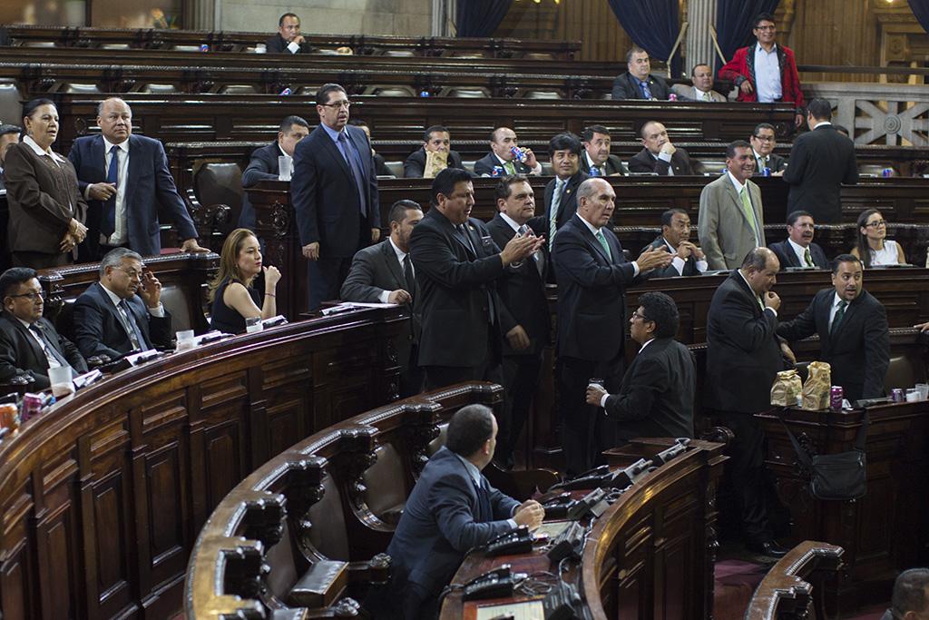 "Muertas o moribundas, las reformas constitucionales hibernan en el Congreso<span class=""wtr-time-wrap after-title"">Lectura de <span class=""wtr-time-number"">2</span> min.</span>"