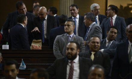 """Diputados """"tránsfugas"""" lloran el silencio del TSE y de la CC"""