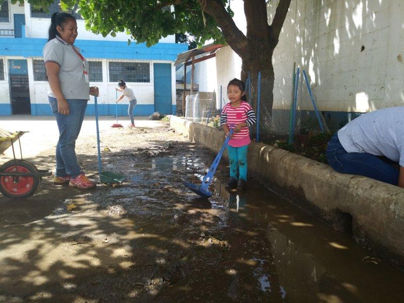"""La escuela que se ahoga en Villa Canales<span class=""""wtr-time-wrap after-title"""">Lectura de <span class=""""wtr-time-number"""">3</span> min.</span>"""