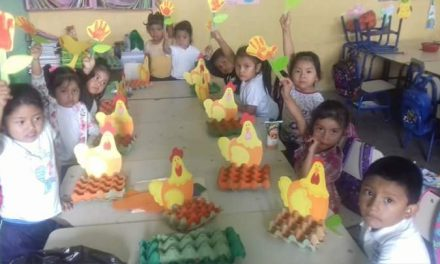 """La hormiga y el grillo: la fábula que marca a una maestra y a sus """"pollitos"""""""