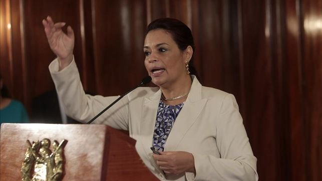 "Resurge Roxana Baldetti y se planta ante el Tribunal que la juzga<span class=""wtr-time-wrap after-title"">Lectura de <span class=""wtr-time-number"">3</span> min.</span>"