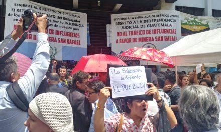 Sectores ven a Jimmy Morales como la real amenaza para el país