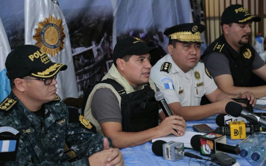 "MP indaga a Policías asignados a Kamilo Rivera el día de su fuga<span class=""wtr-time-wrap after-title"">Lectura de <span class=""wtr-time-number"">3</span> min.</span>"