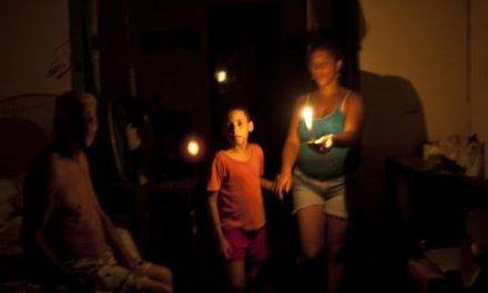 Comunidades completas celebrarán Navidad sin luz