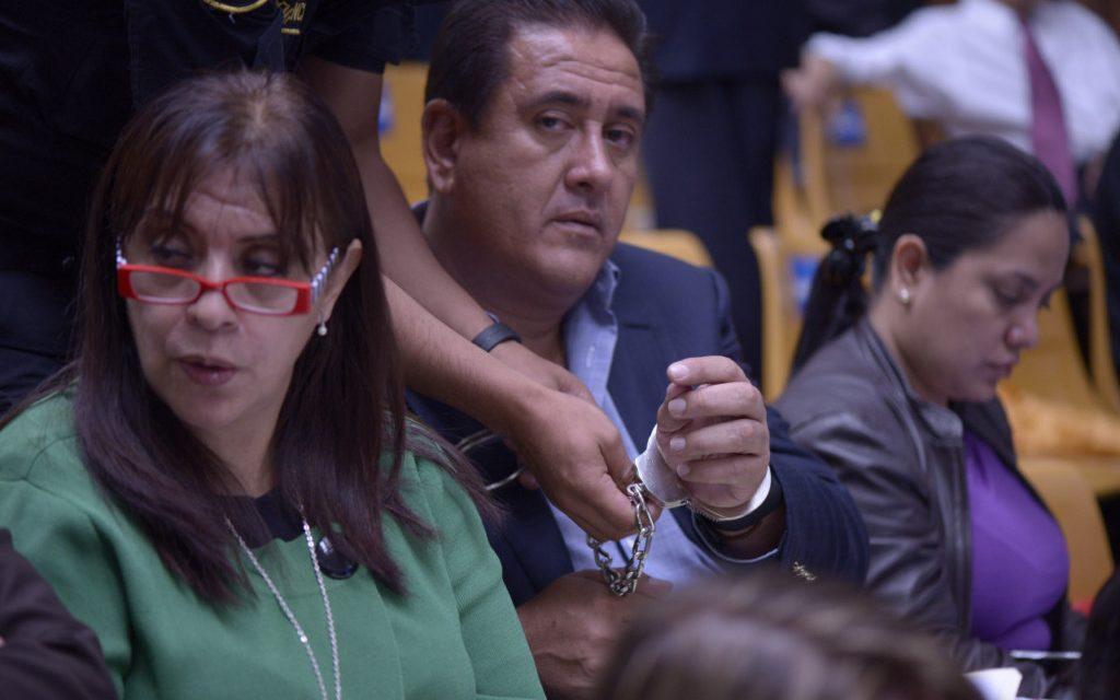 "Así se defiende Gustavo Alejos: compra jueces y desprestigia fiscales<span class=""wtr-time-wrap after-title"">Lectura de <span class=""wtr-time-number"">5</span> min.</span>"