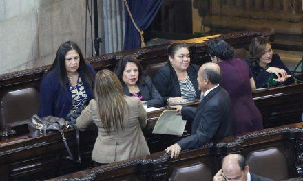 Mujeres en la política: instrumentos para captar votos.