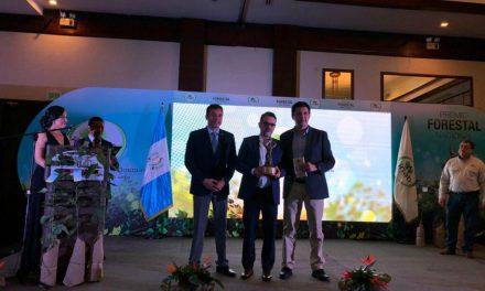 Renace gana Premio Forestal Nacional 2019