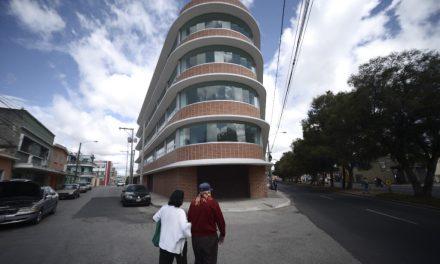 Investigación y abandono: triste la historia del edificio de los Q35 millones