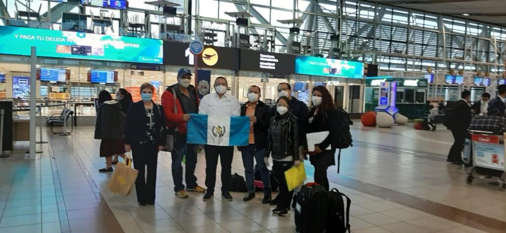 "De vuelta a Guatemala: migrantes y viajeros vuelven en plena pandemia<span class=""wtr-time-wrap after-title"">Lectura de <span class=""wtr-time-number"">4</span> min.</span>"