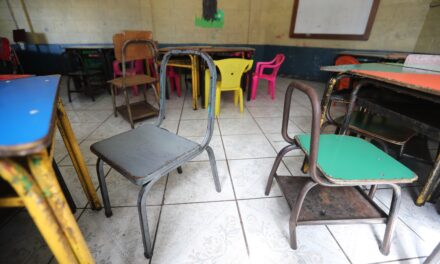 En pandemia o sin pandemia escuelas públicas siguen sin agua