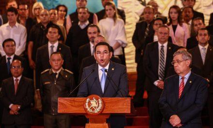 Ni corrupto ni ladrón: medio gabinete de Jimmy Morales bajo sospecha de corrupción