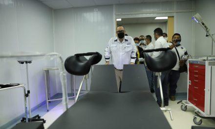 Entrega por abonos: el terreno del hospital en Santa Lucía ya es propio, pero las deficiencias persisten