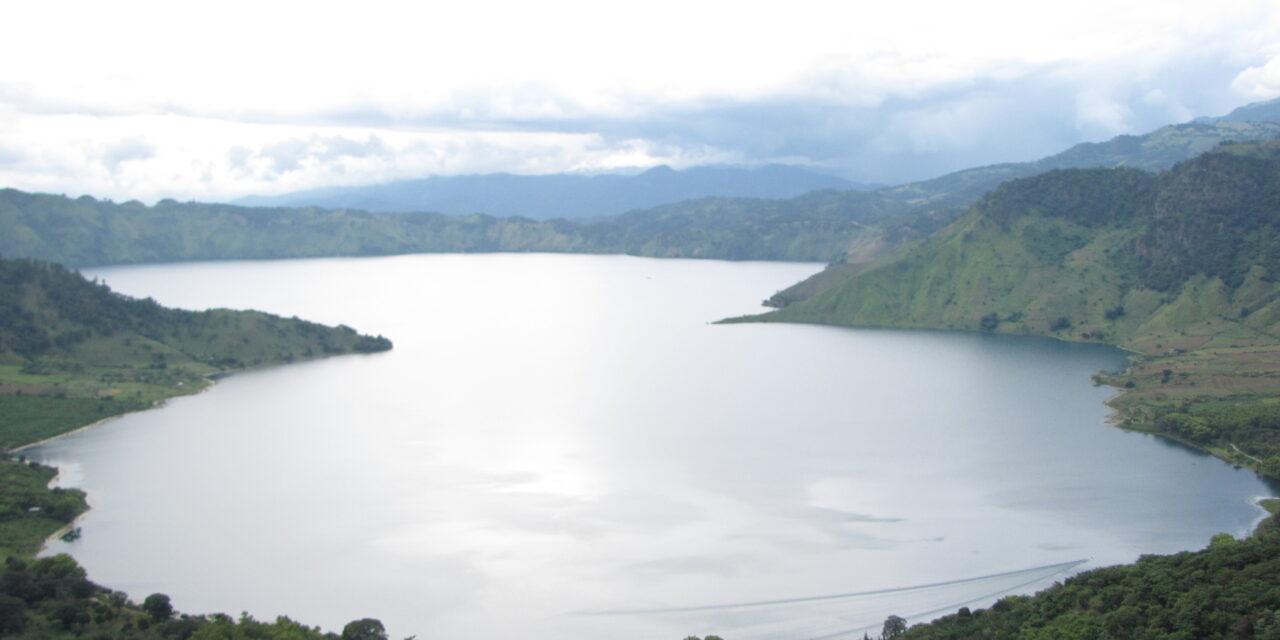 "Laguna de Ayarza: un regalo de aguas cristalinas a solo 48 kilómetros de la capital<span class=""wtr-time-wrap after-title"">Lectura de <span class=""wtr-time-number"">2</span> min.</span>"
